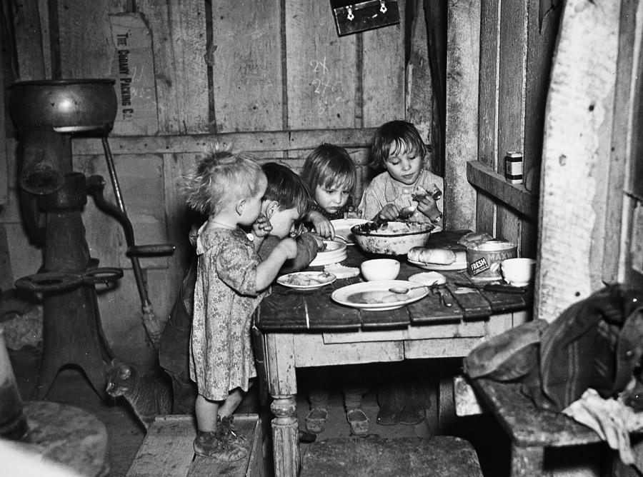 Christmas Poor, 1936 Photograph by Granger
