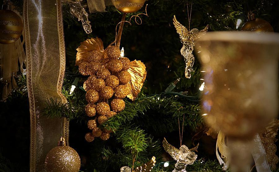 Christmas Photograph - Christmas Season by Thomas Fouch
