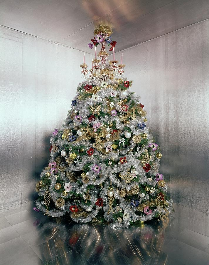 Christmas Tree Decorated By Gloria Vanderbilt Photograph by Ernst Beadle