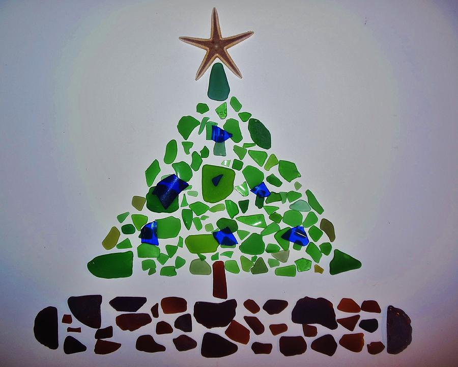 Christmas Tree Sea Glass And Starfish Photograph by Mark Lemmon