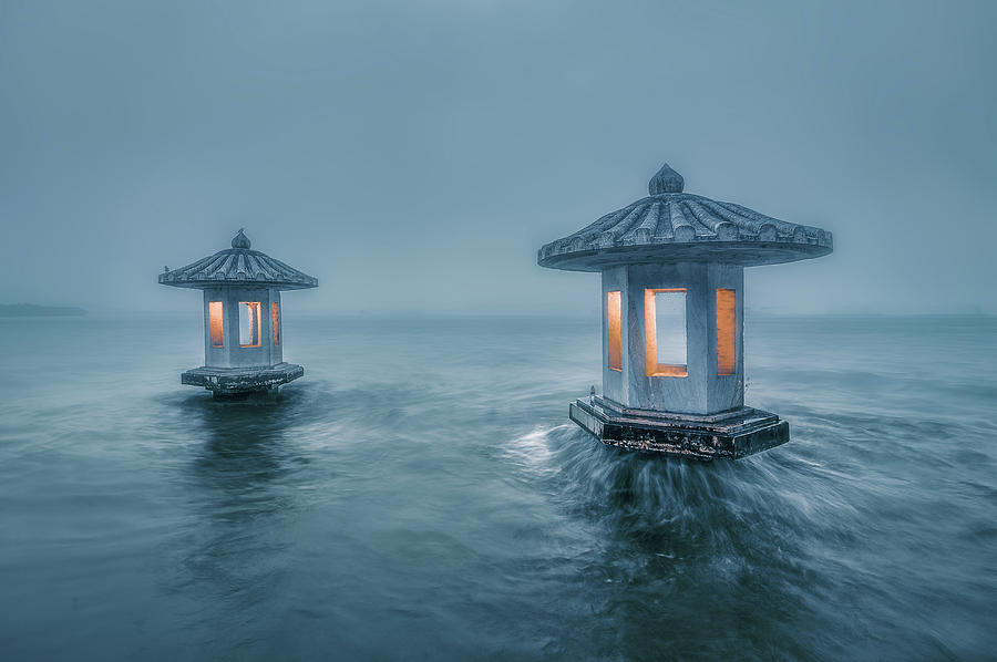 Westlake Photograph - Chuiguang Pavilion by Liwulei