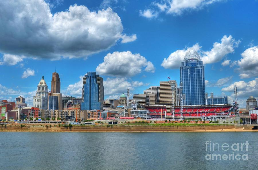 Cincinnati Skyline Photograph - Cincinnati Skyline by Mel Steinhauer