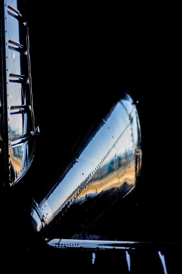 Cirrus Sr22 Photograph - Cirrus In A Hanger by Paul Job