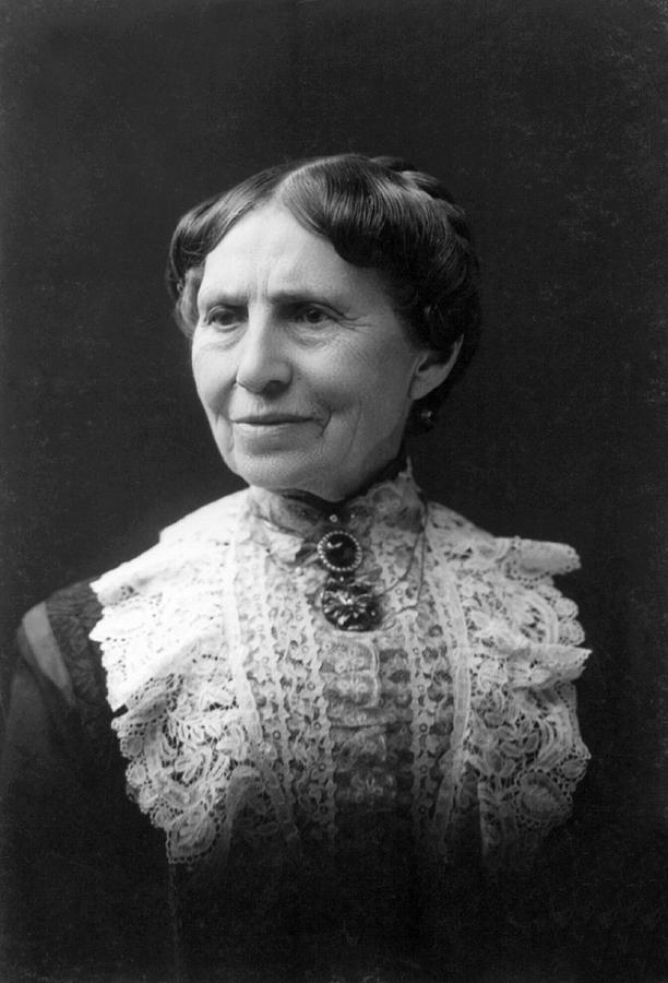 clara barton biography Clarissa harlowe barton (better known as clara barton) (december 25, 1821 - april 12, 1912) was the founder of the american red crossas an accomplished educator and hard-working professional woman, she was able to earn a salary equal to a man's.