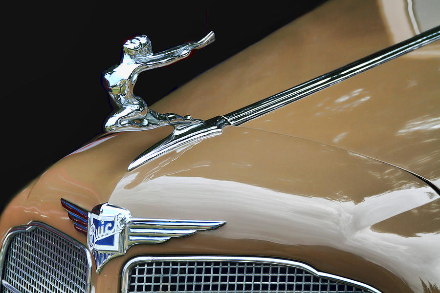 Hood Ornaments Photograph - Classic Car - Buick Victoria Hood Ornament by Peggy Collins