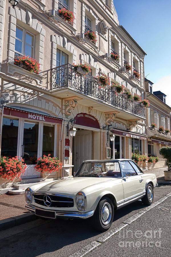 Mercedes Photograph - Classic Elegance by Olivier Le Queinec