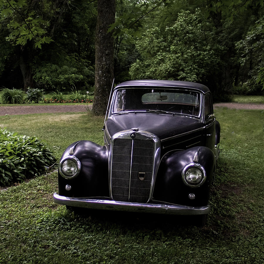Classic Mercedes Benz by Curtis Dale