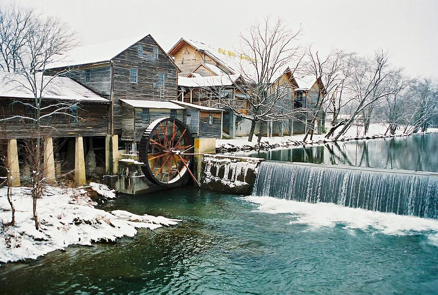 Pigeon Forge Photograph - Clear Winter Day At The Old Mill by John Saunders