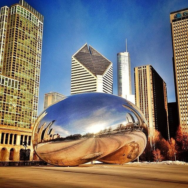 Cloudgate Photograph - Cloud Gate chicago Bean Sculpture by Paul Velgos