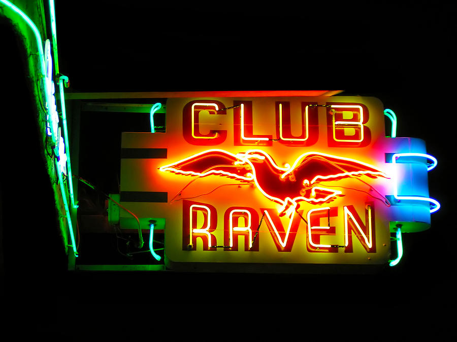 Advertisement Photograph - Club Raven Neon Sign by Karin Hildebrand Lau