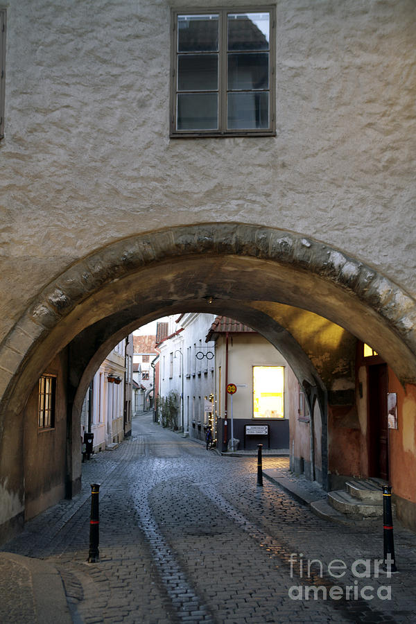 Evening Photograph - Cobblestone And Arcade by Ladi  Kirn
