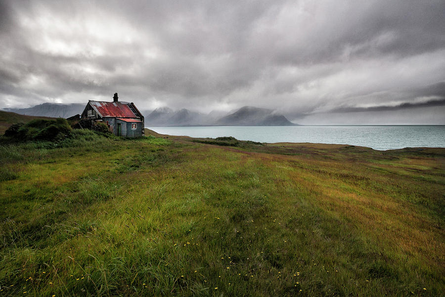 House Photograph - Cold And Damp by ??orsteinn H. Ingibergsson