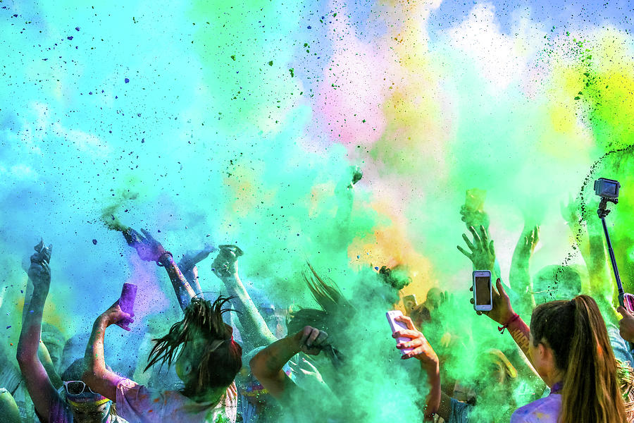 Color Photograph - Color Run by Eunice Kim
