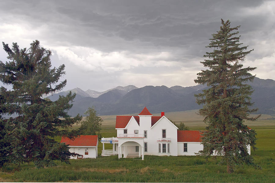 House Photograph - Colorado Farmhouse Photo by Peter J Sucy