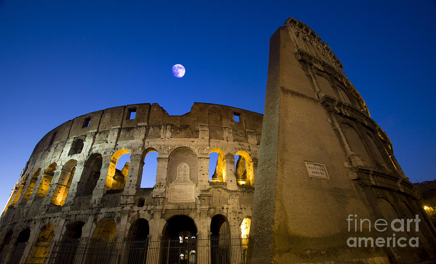 Colosseo Photograph - Colosseum and the Moon by Stefano Senise