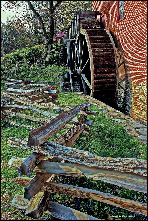 Colvin Run Mill Photograph - Colvin Run Mill by Suzanne Stout