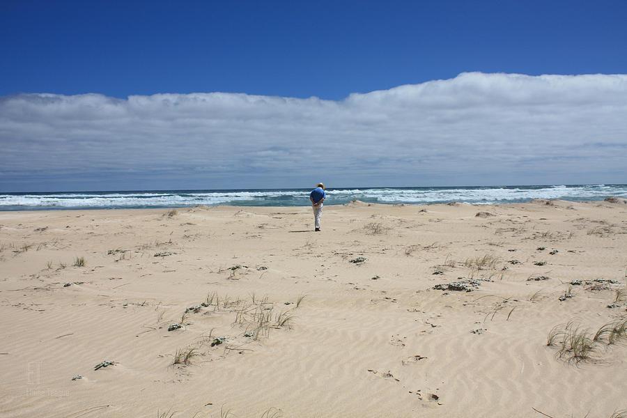 Western Australia Photograph - Contemplation by Elaine Teague