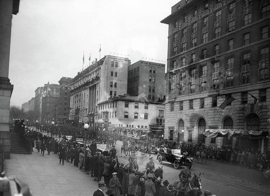1925 Photograph - Coolidge Inauguration, 1925 by Granger
