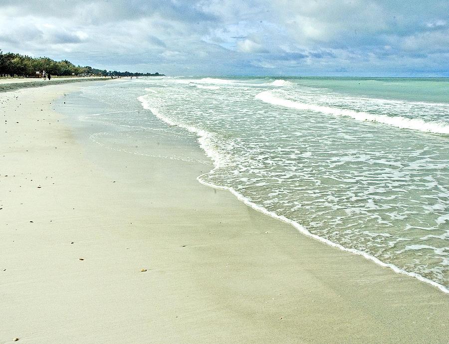 Seascape Photograph - Coquina Beach by Norman Johnson