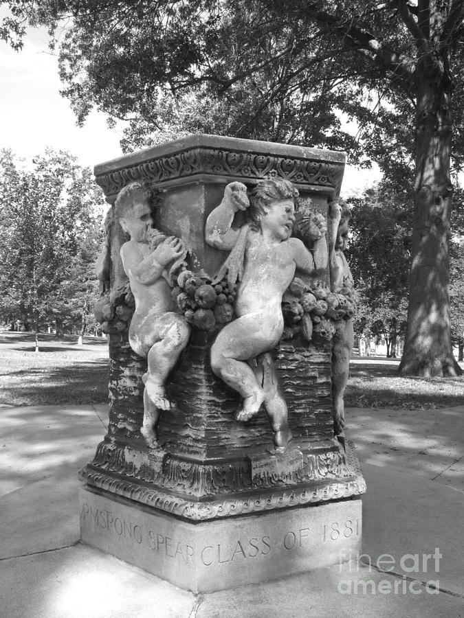 Cornell College Photograph - Cornell College The Old Fountain by University Icons
