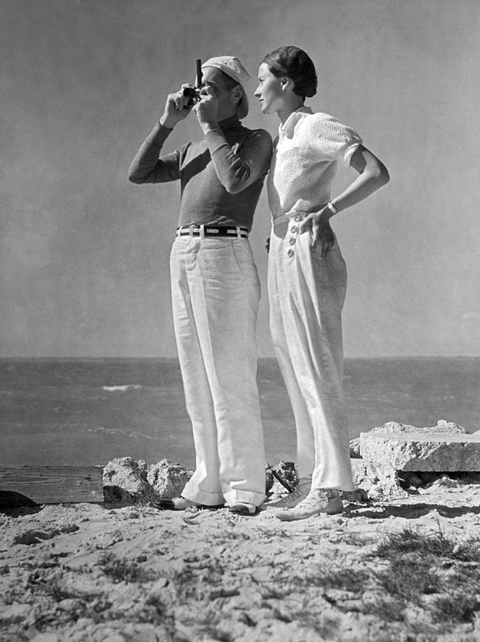 1938 Photograph - Couple On The Maine Shore by Underwood Archives
