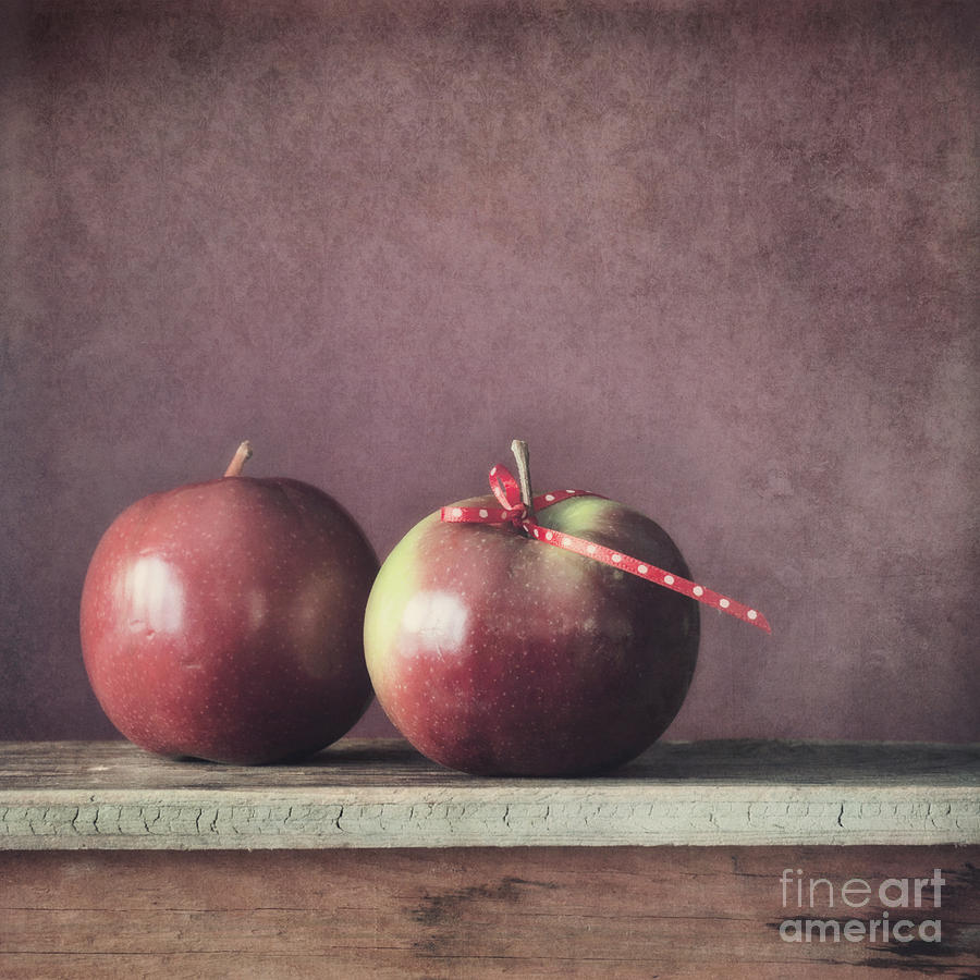 Cox Orange Photograph - Couple by Priska Wettstein
