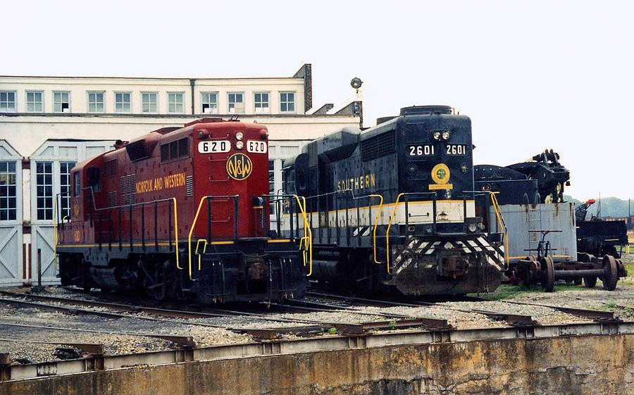 Trains Photograph - Cousins by Richard Rizzo