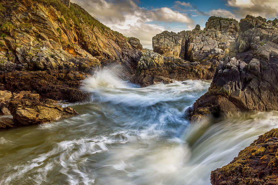 Rocks Photograph - Crashing Waves by Kevin Moore
