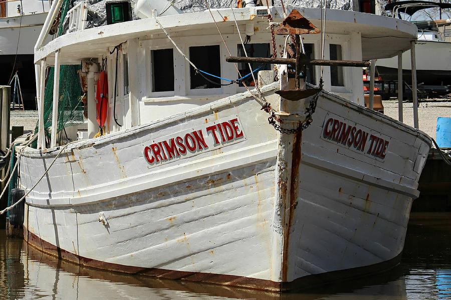 Crimson Tide Photograph - Crimson Tide At Fly Creek Marina by Lynn Jordan