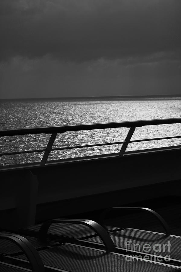 Lounge Chairs Photograph - Cruisin In Black And White by Beth Sanders