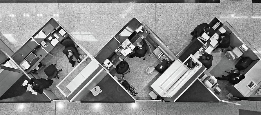 Cubicle Photograph - Cubicle Life by Vincent Kohar