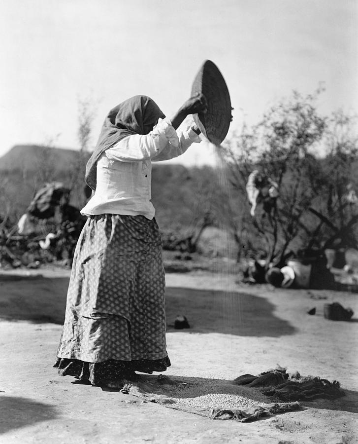 1907 Photograph - Curtis Papago Woman, C1907 by Granger