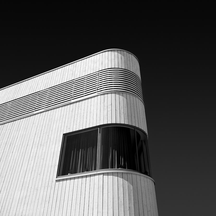 Contemporary Architecture Photograph - Curved Window by Dave Bowman
