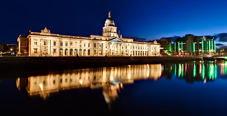 Customs House at Night / Dublin by Barry O Carroll