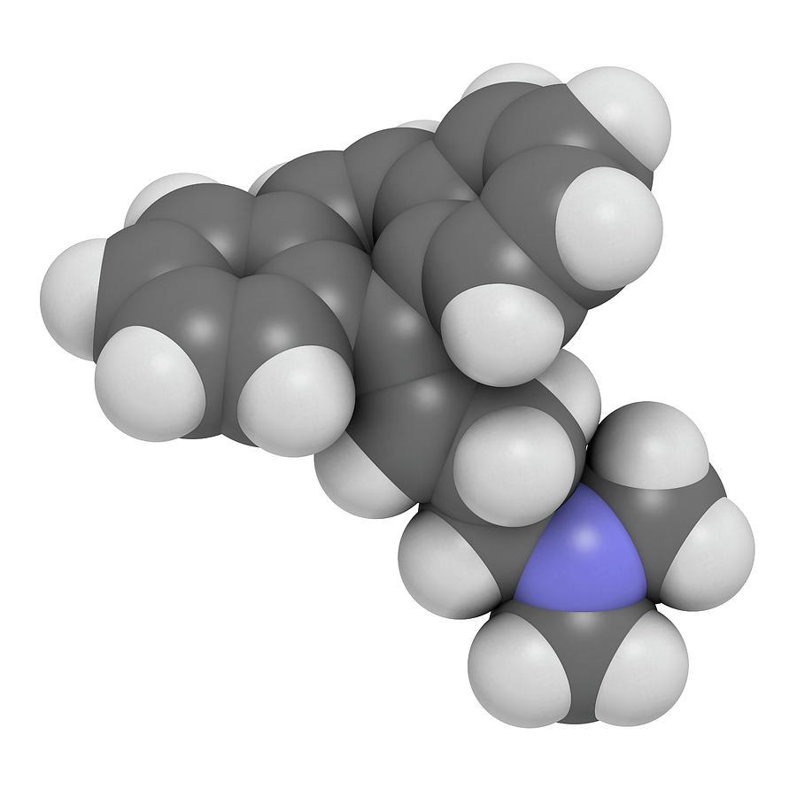 Cyclobenzaprine Photograph - Cyclobenzaprine Molecule by Molekuul