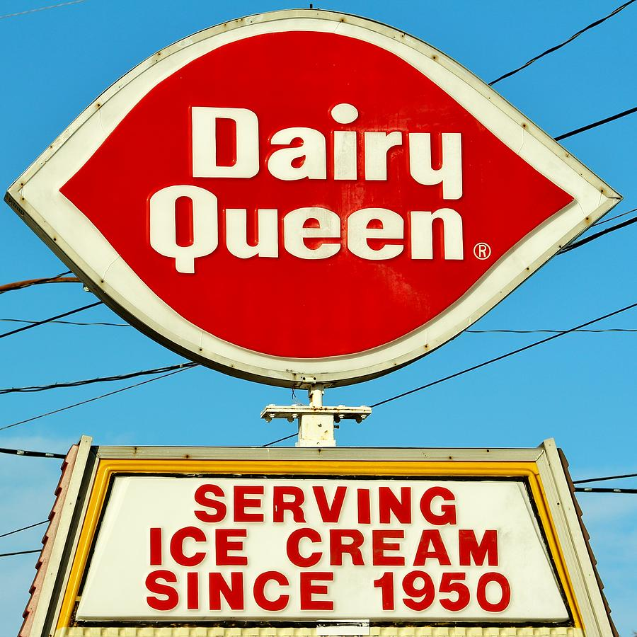 Dairy Queen Photograph - Dairy Queen Sign by Cynthia Guinn