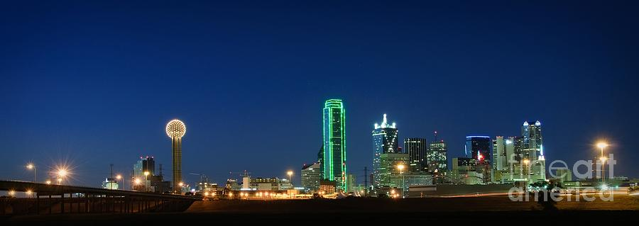Dallas Photograph - Dallas Skyline by Charles Dobbs