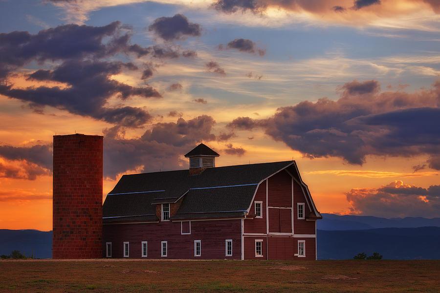 Barn Photograph - Dannys Barn by Darren  White