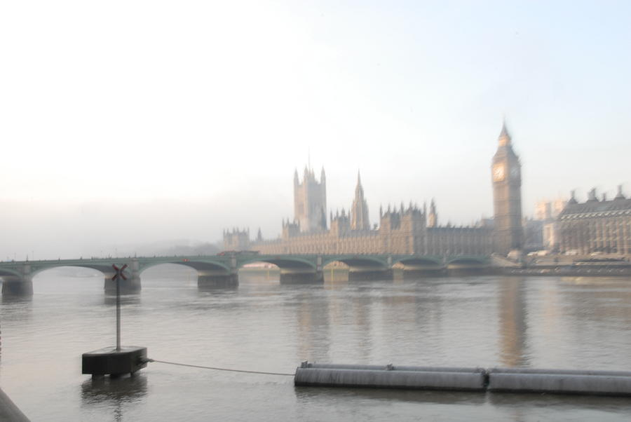 Thames Photograph - Dawn At Westminster by Benjamin Davies