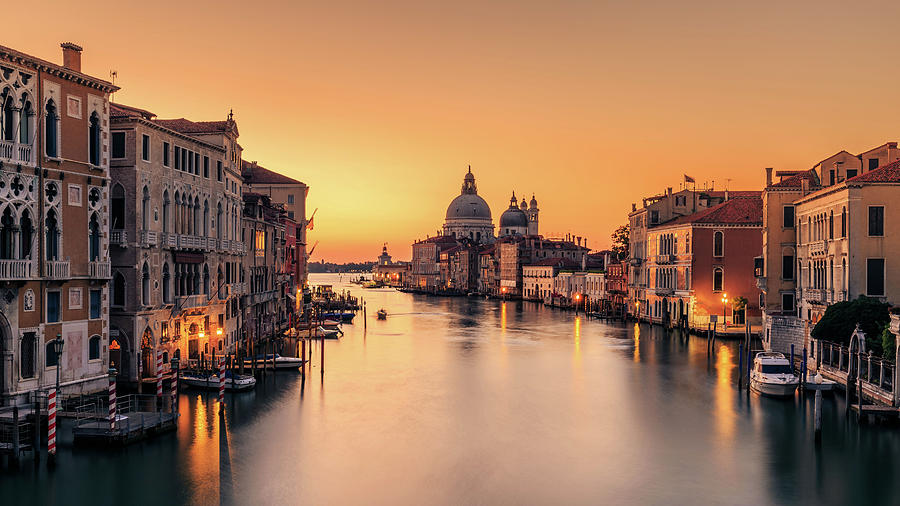 Venice Photograph - Dawn On Venice by Eric Zhang