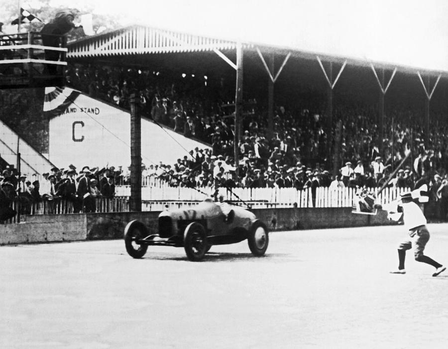 1920s Photograph - De Paolo Winner At Indy 500 by Underwood Archives