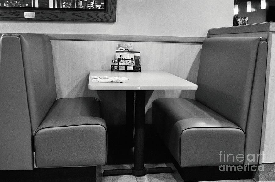 Denny's Photograph - Dennys Booth by Andres LaBrada