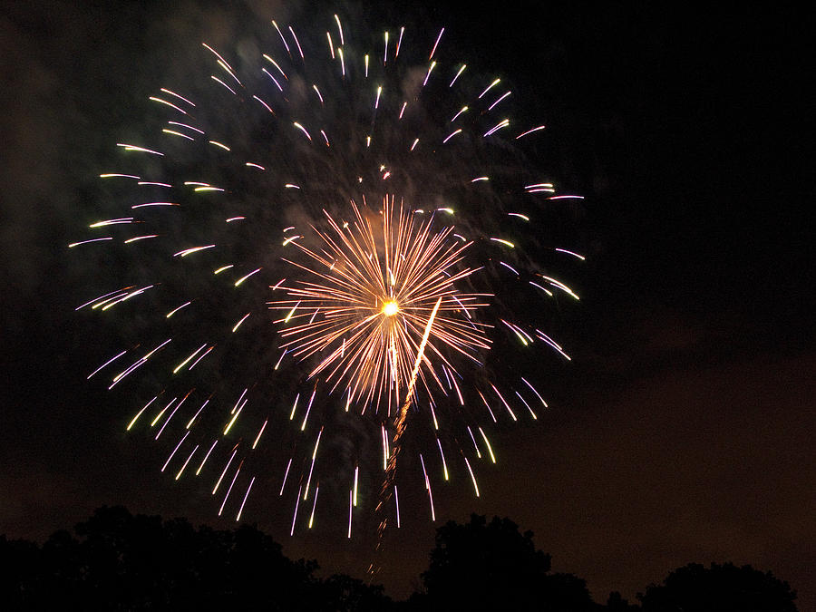Cities Photograph - Detroit Area Fireworks -10 by Paul Cannon