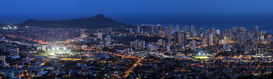 Diamond Head And Waikiki At Dusk, Oahu Photograph by Picturelake