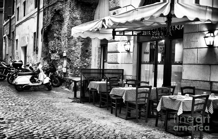 Gallery Wrap Photograph - Dinner Scene In Rome by John Rizzuto