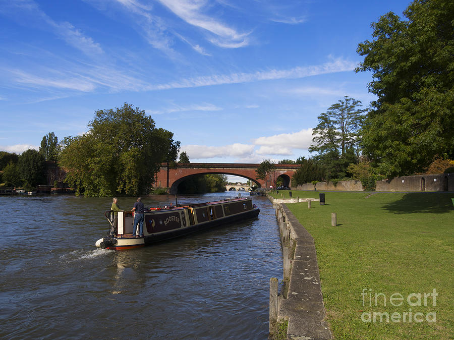 Narrowboat Photograph - Docking by Louise Heusinkveld
