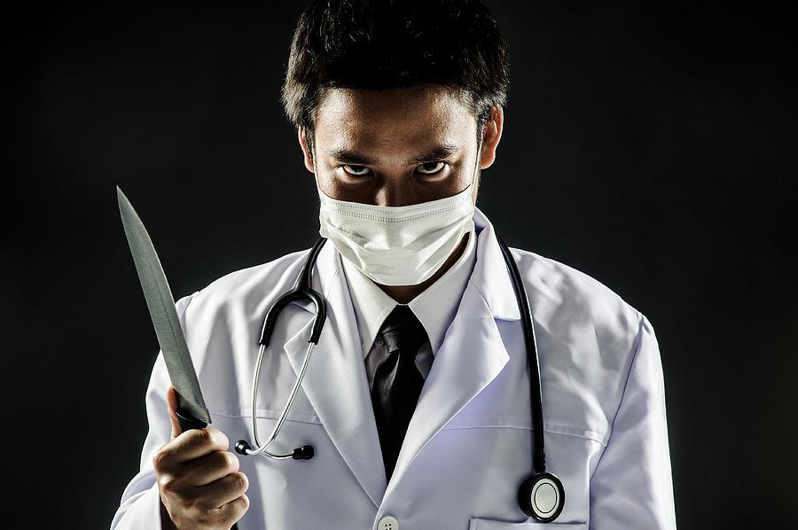 Top 10 Medical Murderers: Angel Of Death