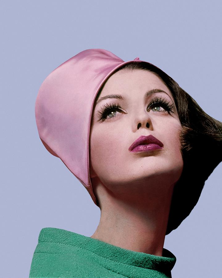 Dorothea Mcgowan In A Cloche Photograph by Bert Stern