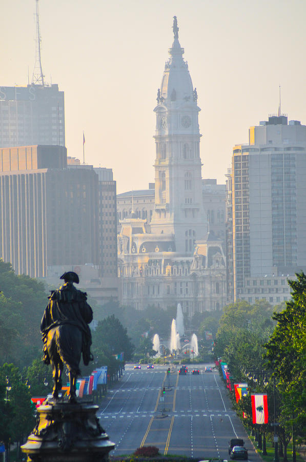Downtown Photograph - Downtown Philadelphia - Benjamin Franklin Parkway by Bill Cannon