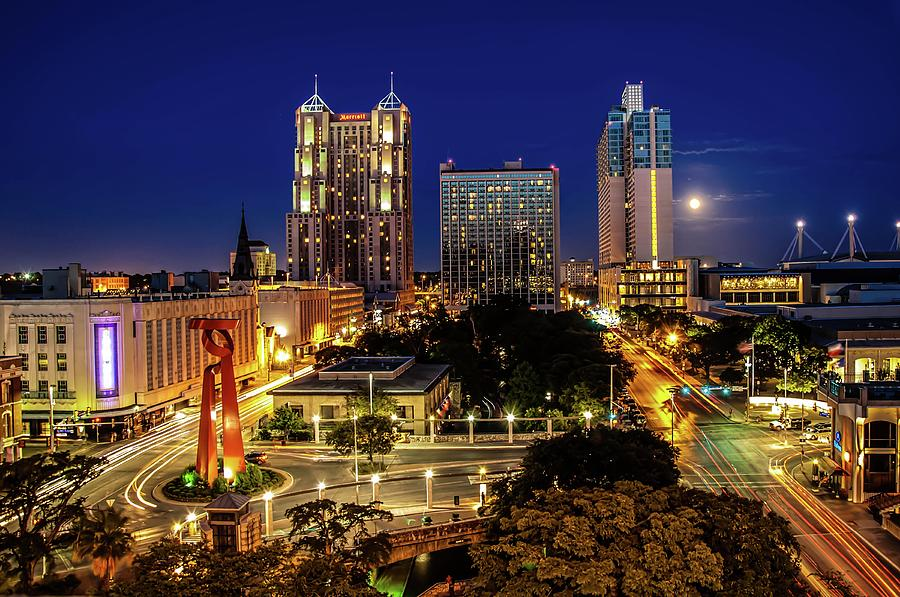 Downtown San Antonio Photograph by John Cabuena  Flipintex Fotod